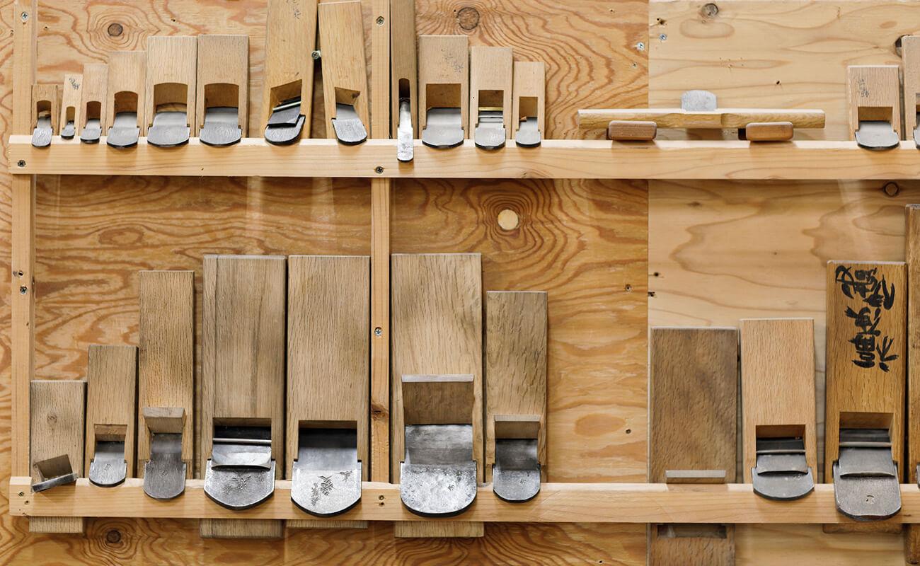 木材をカットする用の機械画像